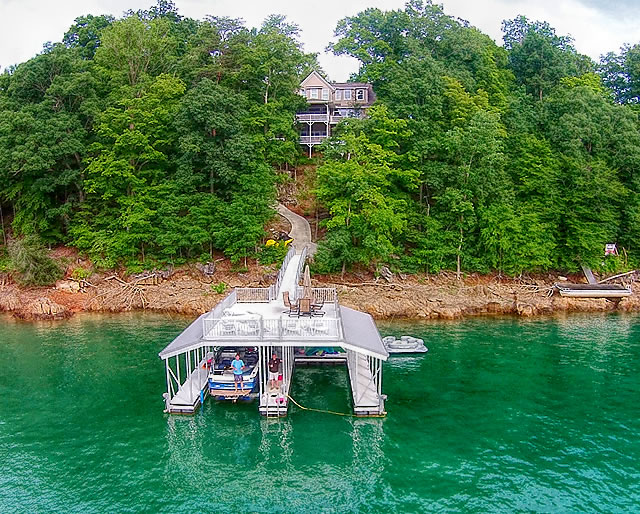 Windsor Pointe Boat Docks on Norris Lake