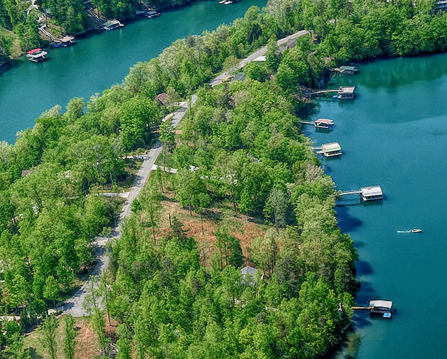 Windsor Pointe Subdivision on Norris Lake